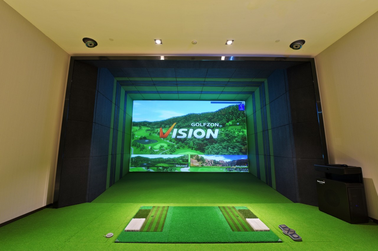 4 Ways A Home Golf Simulator Will Help Lower Your Handicap