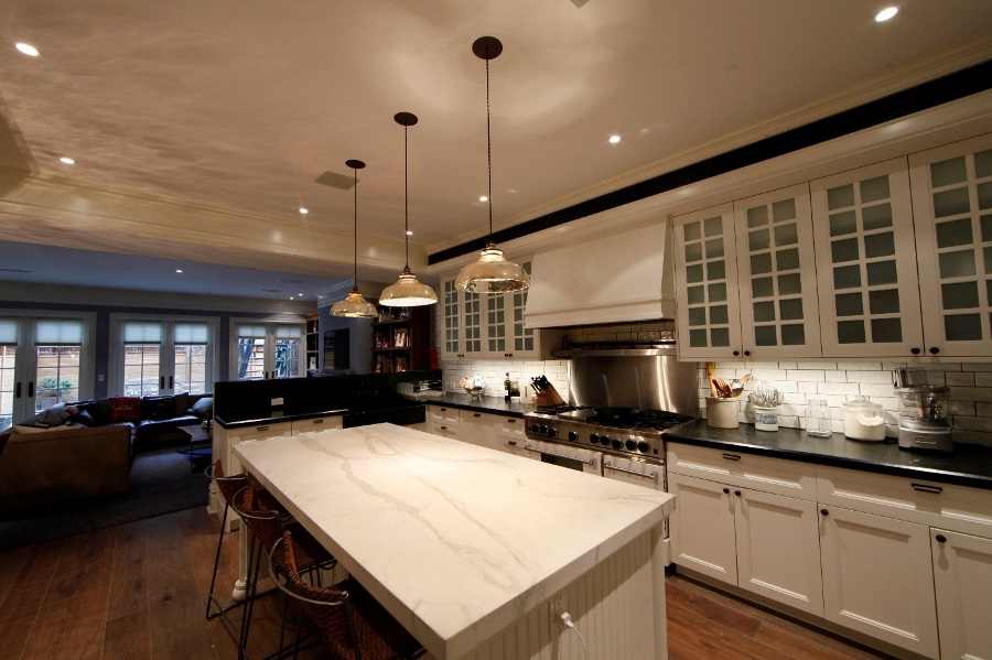 3 Tips on How to Enhance Interior Design With Automated Lighting